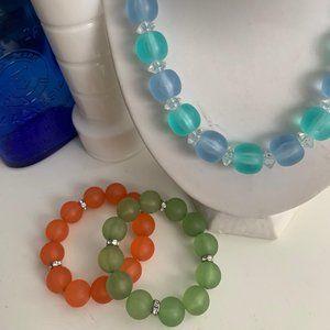 Lucite bead style necklace & stretch bracelet set